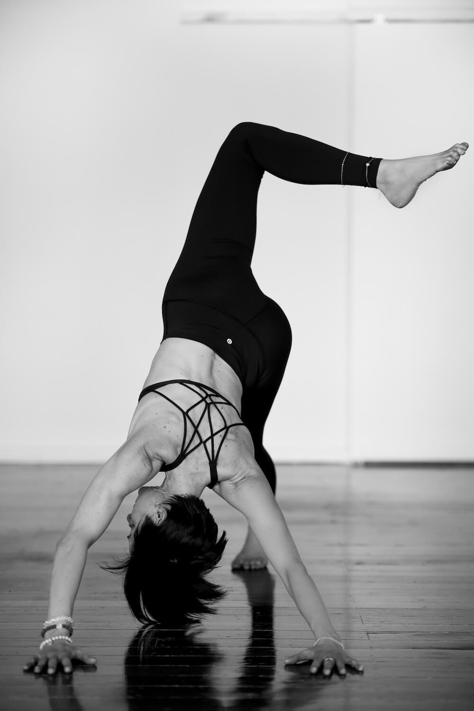 Beginner Yoga Classes Near Me Sydney Online Niso Fitness and Nutrition Sofija Vracar